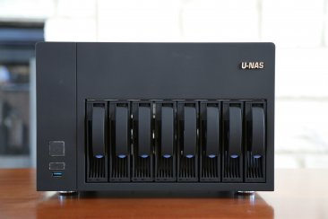 U-NAS NSC-810A Server Chassis (Power Supply Not Included)