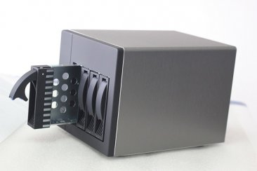 U-NAS NSC-400 Server Chassis with Power Supply